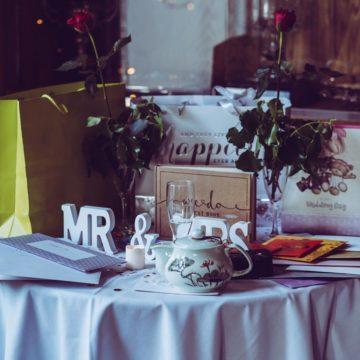 Księga gości weselnych – jak wybrać najlepszą?