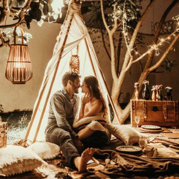 Wco się ubrać nasesję narzeczeńską? – pomysły nastylizacje dla par