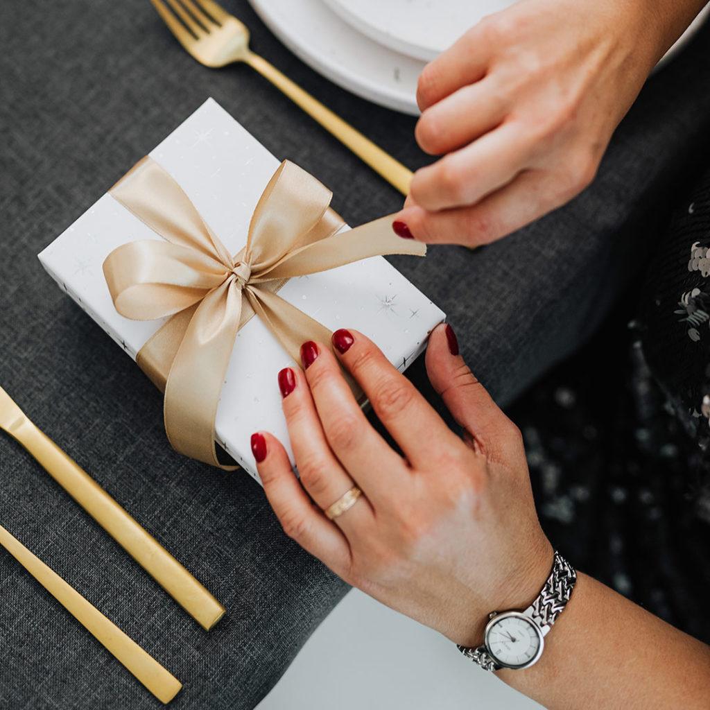 Praktyczny prezent dla rodziców naślub, rocznicę lub święta